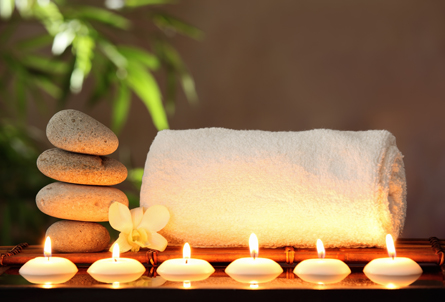 massatge amb espelmes